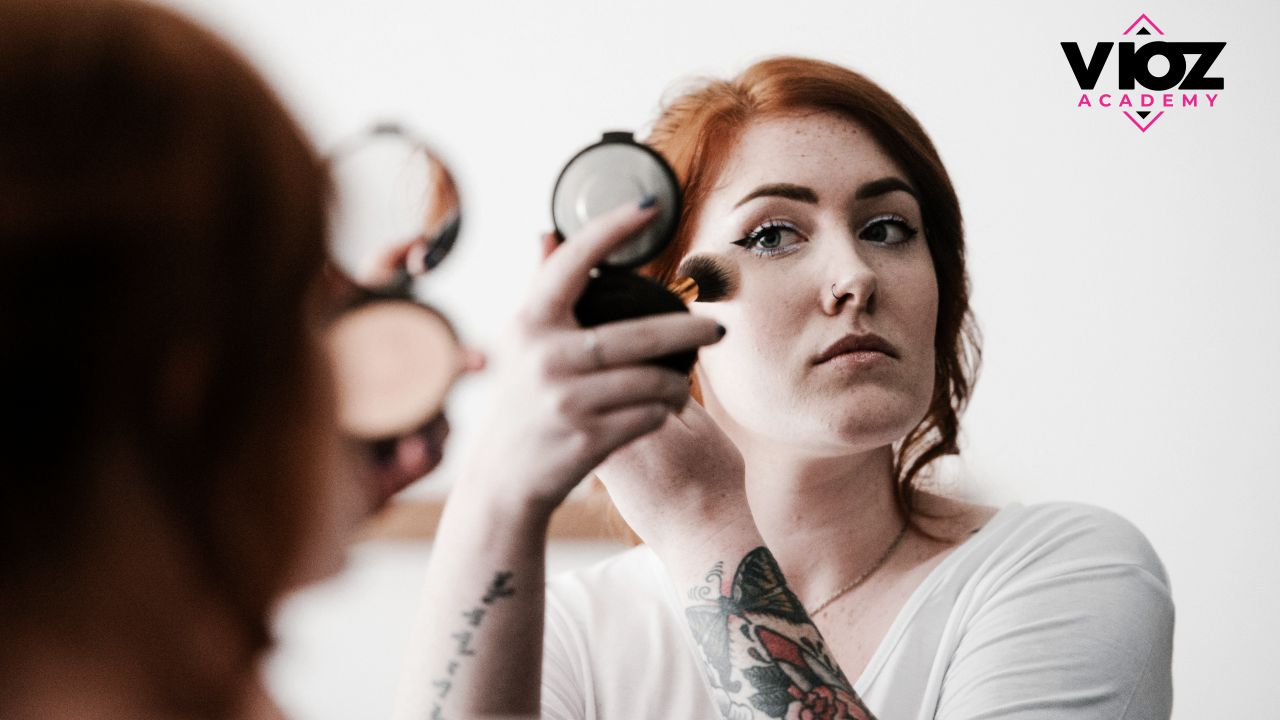 How Do You Decide Which Self Makeup Course Is Best For Your Career?